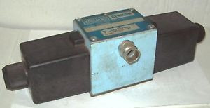Hagglunds Denison A3D02 Hydraulic Directional Control Valve A3D02-701460 12 VDC