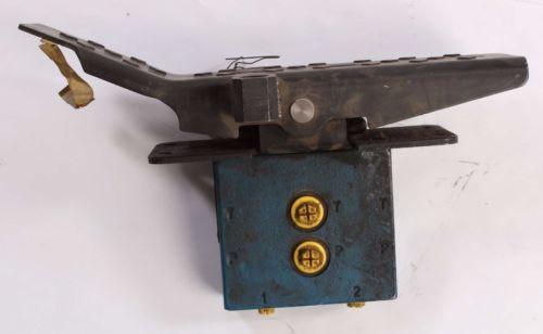 origin 2TH6RP11-10/M01 Rexroth Pedal Control Valve