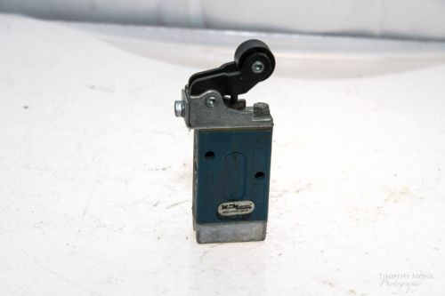 REXROTH GB13003-0955 MINIMASTER ROLLER OPERATED DIRECTIONAL VALVE UNUSED G52
