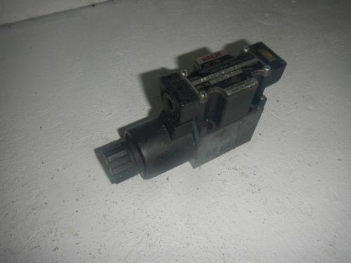 Nachi SS-G01-A3Z-R-C1-30 D03 Hydraulic Directional Control Valve 120V