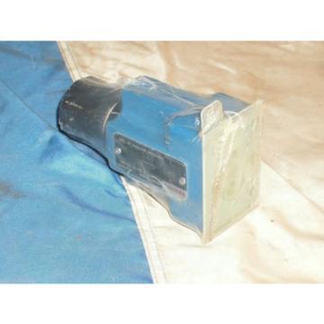 REXROTH R900205524 FLOW CONTROL VALVE 2FRM 6 B76-32/25QRV
