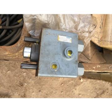 LT10 MKA-20/100/19M SO1 Mannesmann rexroth valve 427037/7 for digger