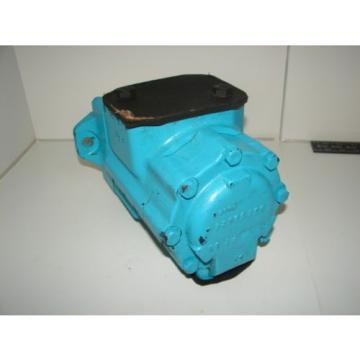 DENISON T67CB-020-B03-1R00-A1M1 HYDRAULIC MOTOR XLNT