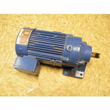 Sumitomo Cyclo Drive Induction Gear Motor CNHM05-6075-17 04 KW 17:1 Ratio