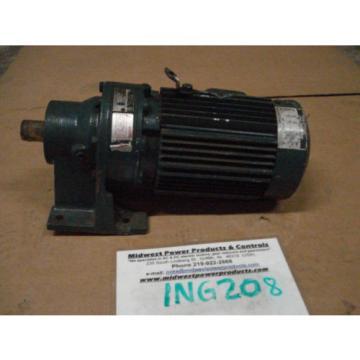 Sumitomo Cyclo gearmotor CNHM-1-4100YC-15, 117 rpm, 15:1,1hp, 230/460, inline