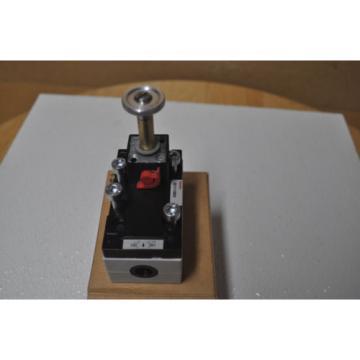 Rexroth Pneumatic Directional Valve  581-111-0200