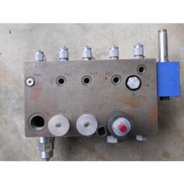 origin liebherr rexroth valve body hydraulic excavator crawler 13498AK   02-0674