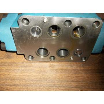 REXROTH 4WEH22E74/6EW11ON-ETZ45  DIRECTIONAL VALVE GOOD USED MISSING LABEL LL2