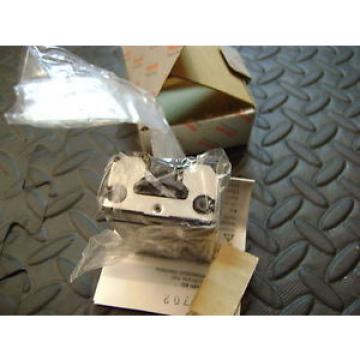 Rexroth China Egypt MNR: R162289420 Linear Bearing Block