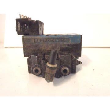 Lot of 2 Bosch Rexroth 6T11061-2440 Hydraulic Valve