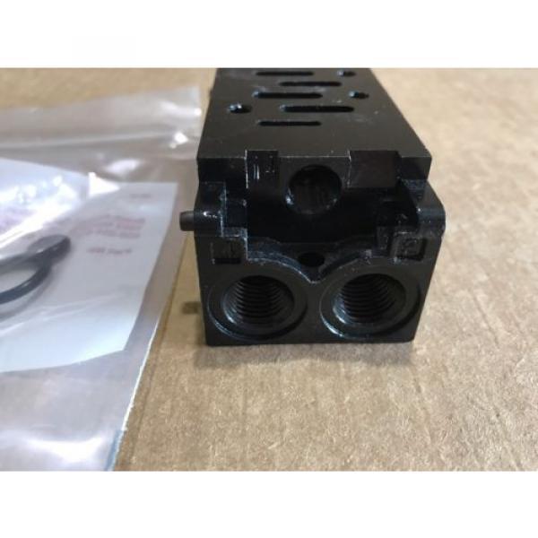P68424-1 USA Canada Ceram Valve Subplate Rexroth/Wabco/American Standard #3 image