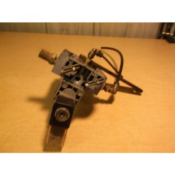 Bosch 0 820 024 128 Rexroth Valve Assembly 1B24210 221 FREE SHIPPING #4 image