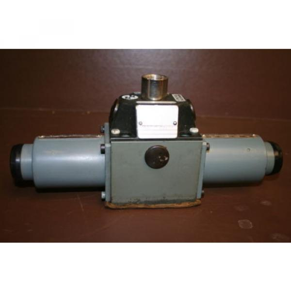 Directional India Dutch valve Hydraulic 4WE8J3 24 VDC High power Solenoid Rexroth Unused #1 image