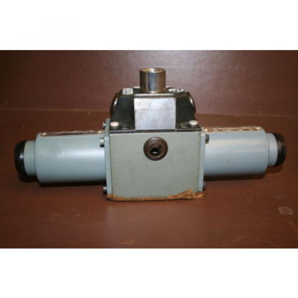 Directional India Dutch valve Hydraulic 4WE8J3 24 VDC High power Solenoid Rexroth Unused #2 image