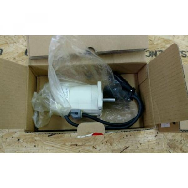 REXROTH India Mexico INDRAMAT SERVO MOTOR MMD022A-030-EGO-CN *NEW IN BOX* #2 image