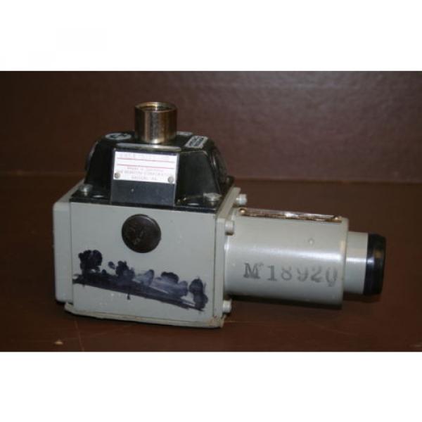 Directional France Greece valve 4 port Hydraulic 4WE8Y3 24 VDC Rexroth Unused #1 image