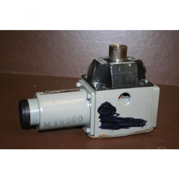 Directional France Greece valve 4 port Hydraulic 4WE8Y3 24 VDC Rexroth Unused #2 image