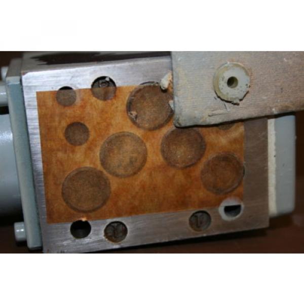 Directional France Greece valve 4 port Hydraulic 4WE8Y3 24 VDC Rexroth Unused #4 image