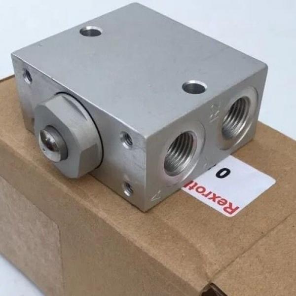 0820400001 0 820 400 001 Bosch Rexroth Pneu Air Valve, 3/2, Mech Plunger #1 image