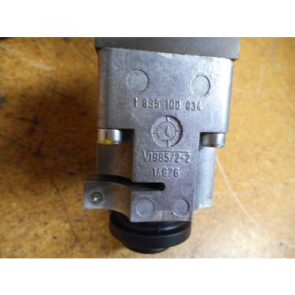 Bosch 0811404119 4WRP 6E-28S-1X/G24Z4/M Valve W/ 0831006057 Coil 9VDC 2,45A #5 image