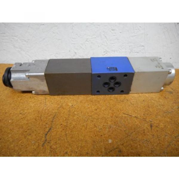 Bosch 0811404119 4WRP 6E-28S-1X/G24Z4/M Valve W/ 0831006057 Coil 9VDC 2,45A #6 image