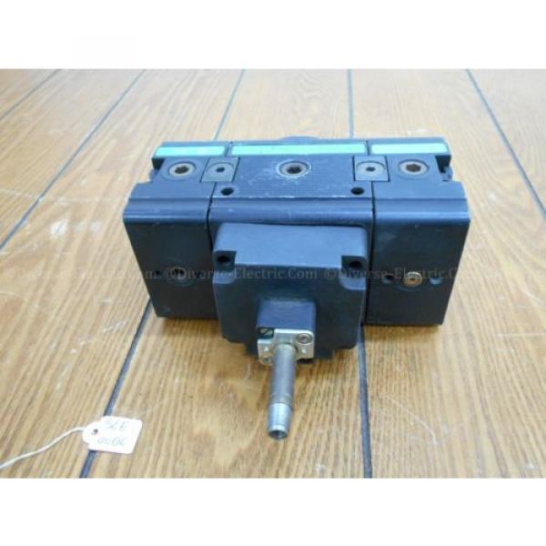 Bosch 0821300932 Solenoid Valve 3/2 Way with Two 821300930 Distributor Blocks #6 image