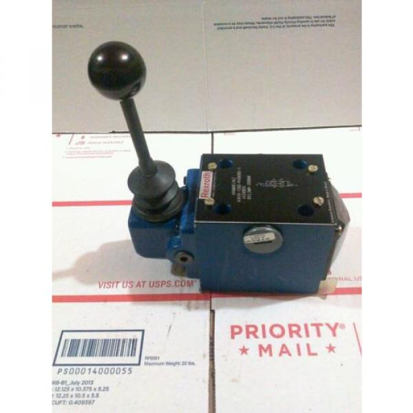REXROTH MANUAL DIRECTIONAL VALVE MODEL 4WMM-10 J1X/14W06-7362 #3 image