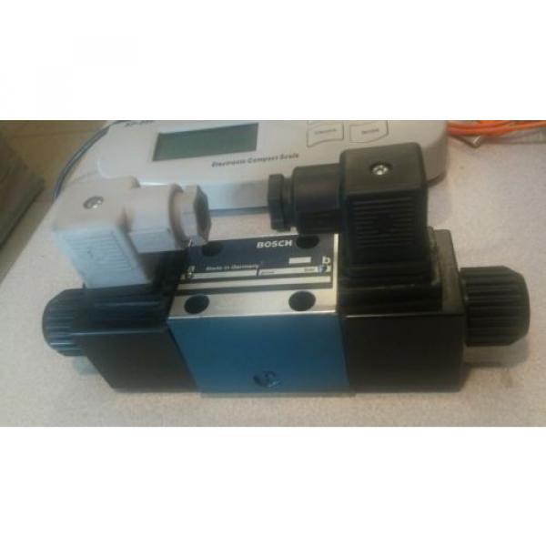 origin Rexroth Hydraulic Directional Control Valve 0810091436 081WV06P1V1001WS110 #1 image