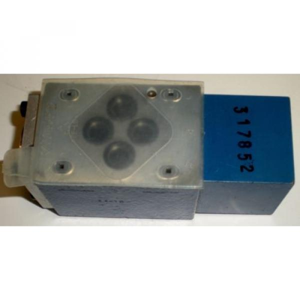 BOSCH REXROTH R900404769 4WH6Y52//5  DIRECTIONAL CONTROL VALVE #7 image