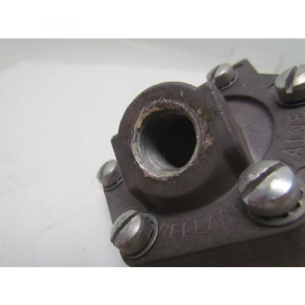 Rexroth P52935-4 Aluminum quick exhaust valve 1/2#034;NPT #9 image