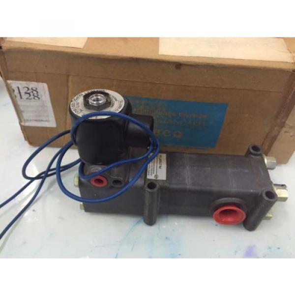 REXROTH  PD400031-1400 1/2#034;  Pilotir 3 port Solenoid Valve 1/2 in, 120 v AC #1 image