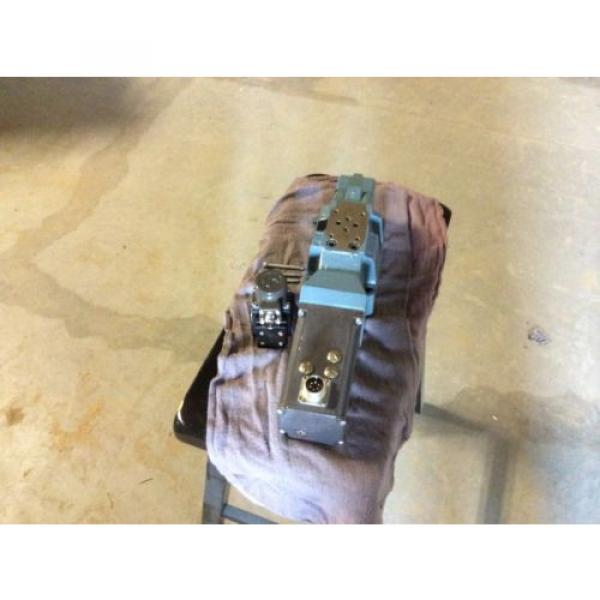 Rexroth Hydraulics servo valve, # 4WRDU 16 W200L-52/6L15K9/VR, free shipping #4 image