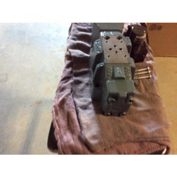 Rexroth Hydraulics servo valve, # 4WRDU 16 W200L-52/6L15K9/VR, free shipping #6 image