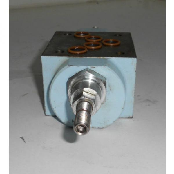 Hagglunds Denison Proportional Hydraulic Directional Control Valve 026-273965 #2 image