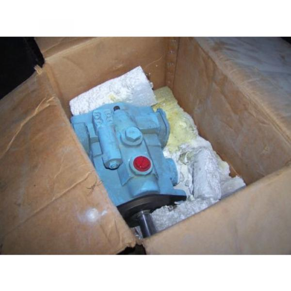 NOS DENISON HYDRAULICS PVT10 2R1D C03 S00 PISTON PUMP PVT102R1DC03S00 #1 image