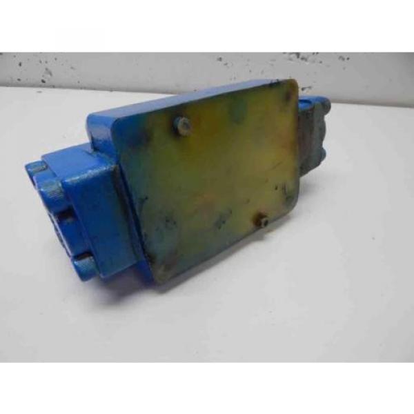 Nachi DHE10061A or DHE10-06-1A Hydraulic Valve #4 image