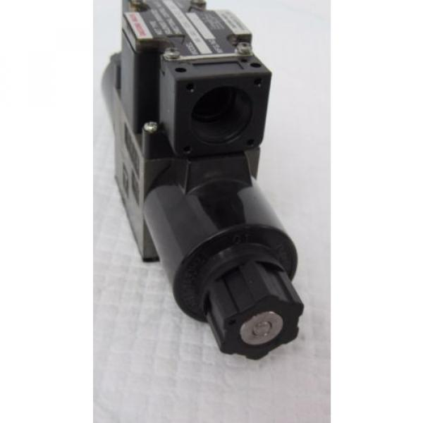 DAESUNG-NACHI SS-GO1-E3X-R-C1-20 WET SOLENOID OPERATED DIRECTIONAL CONTROL VALVE #4 image