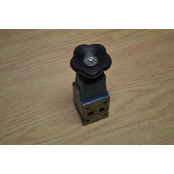 Bosch 0811101170 pilot valve #3 image