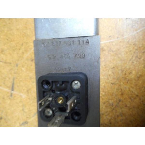 Bosch 0811404119 4WRP 6E-28S-1X/G24Z4/M Valve W/ 0831006057 Coil 9VDC 2,45A #3 image