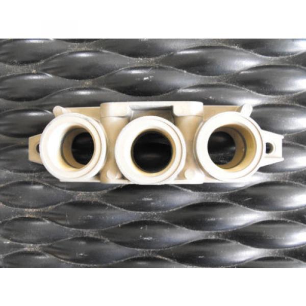 Bosch Rexroth Pneumatic Valve Manifold R432015492  End Kit #2 image