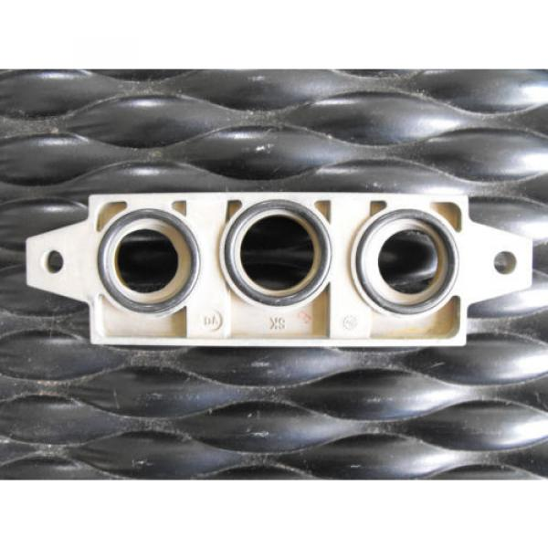 Bosch Rexroth Pneumatic Valve Manifold R432015492  End Kit #4 image