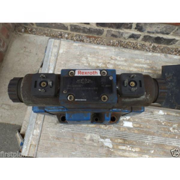 REXROTH ELECTRIC HYDRAULIC VALVE BLOCK MNR: R900944207 #1 image
