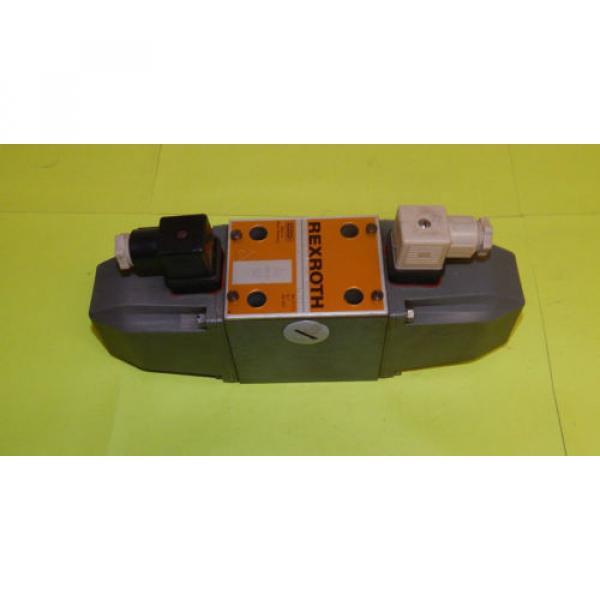 Rexroth 4WE10G11/LW110-60NK4 Directional Control Valve 4WE10G11LW11060NK4 #1 image