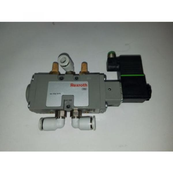 UNUSED REXROTH PNEUMATIC DIRECTIONAL VALVE WITH 24VDC COIL 9180 #1 image