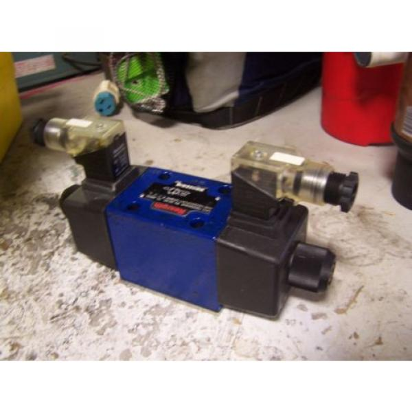 Origin REXROTH R900594948 TWO-WAY DIRECTIONAL SPOOL VALVE 12/240 VAC/DC 4 AMP #2 image
