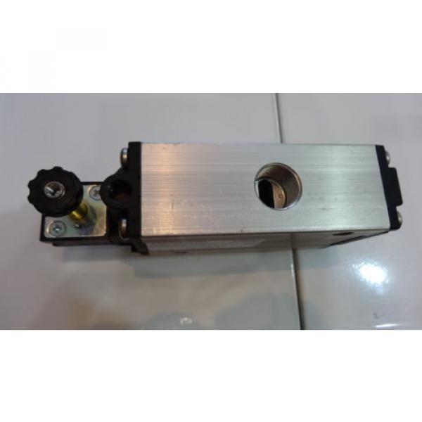 Rexroth 06 Magnetventil 5724560220 3/2-directional valve, Series CD12 #2 image