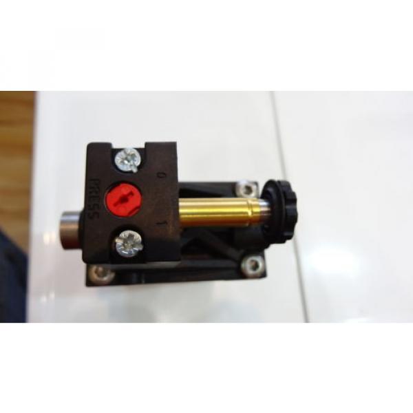 Rexroth 06 Magnetventil 5724560220 3/2-directional valve, Series CD12 #4 image