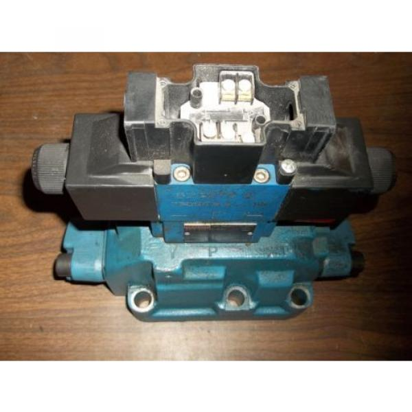 REXROTH 4WEH22E74/6EW11ON-ETZ45  DIRECTIONAL VALVE GOOD USED MISSING LABEL LL2 #1 image