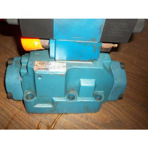 REXROTH 4WEH22E74/6EW11ON-ETZ45  DIRECTIONAL VALVE GOOD USED MISSING LABEL LL2 #6 image