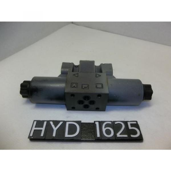 Nachi SS-G01-C5-R-D2-E30 Hydraulic Directional Control Valve HYD1625 #3 image